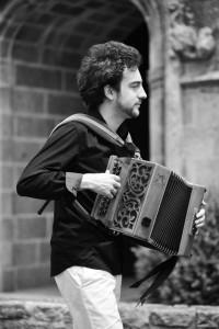 Vincent Garcia, prof d'accordéon diatonique à brest.