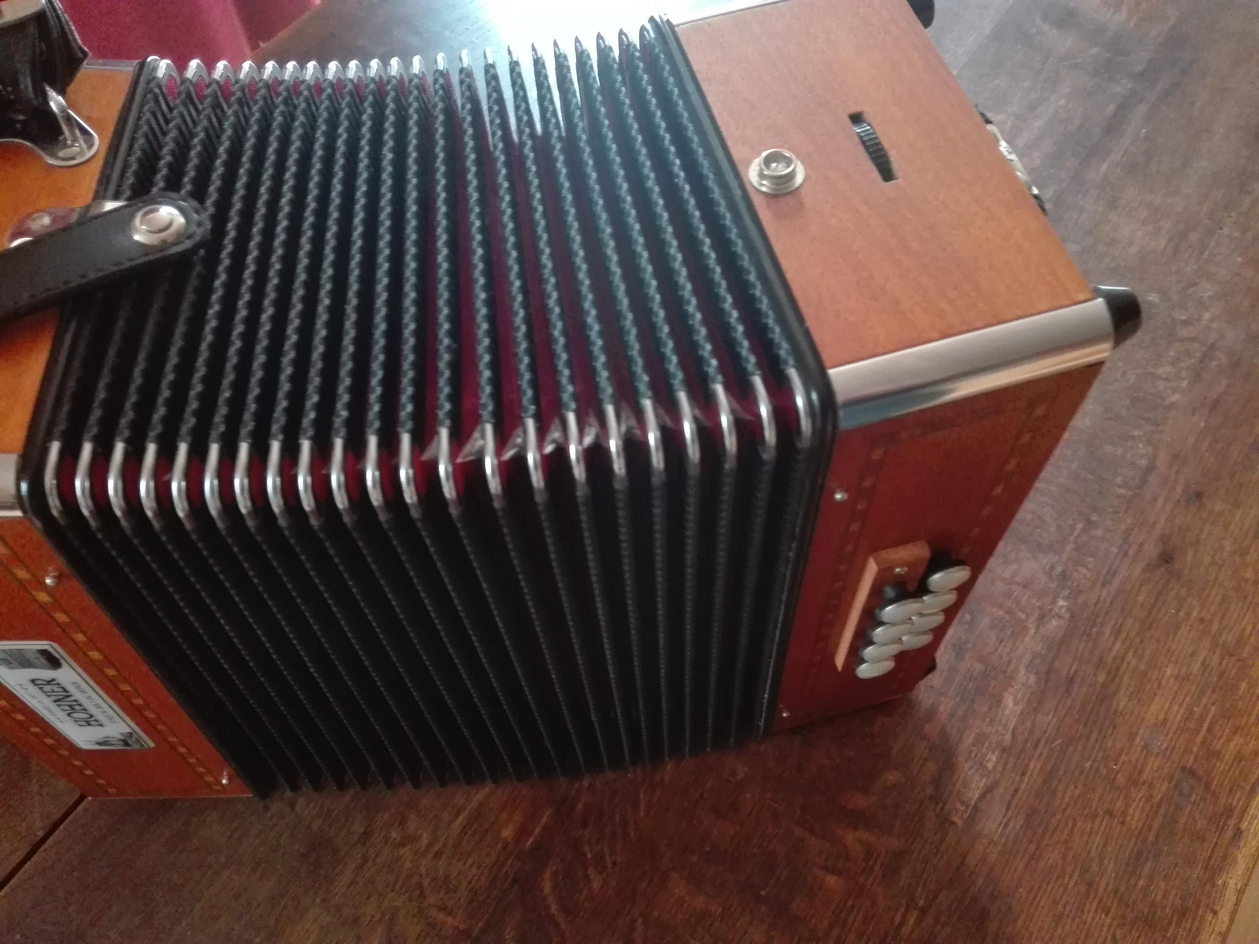 589adc9baeda6 Molette gauche d'un accordéon, Melodéon ou Diato ...